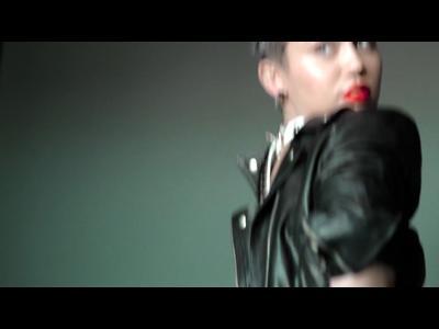 Miley Cyrus, punk pour V Magazine