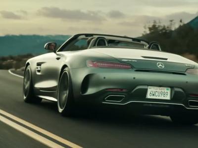 La Mercedes-AMG GT C Roadster joue la provoc' pour le Superbowl