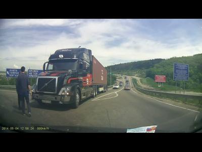 L'efficacité du freinage des poids-lourds Volvo illustrée