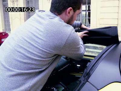 Comment décapoter l'Alfa Romeo 4C Spider en moins d'une minute?