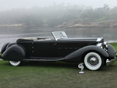 Packard cabriolet 1108 Twelve Victoria by Dietrich primée à Pebble Beach