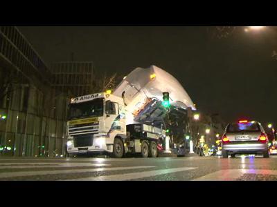 Arrivée bateaux dans Paris Nautic 2012