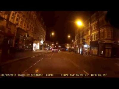 Il vole une BMW i3 et l'encense sans savoir qu'il est filmé