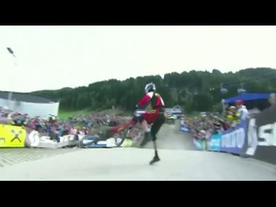 Steve Smith remporte la coupe du monde de descente VTT