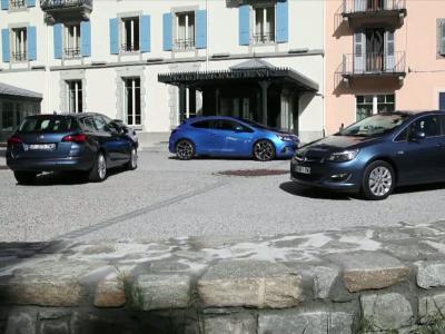 Découvrez l'Opel Astra berline en vidéo
