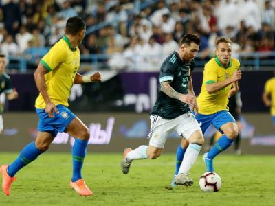 Brésil - Argentine : le but de Messi et le résumé de la rencontre en vidéo !