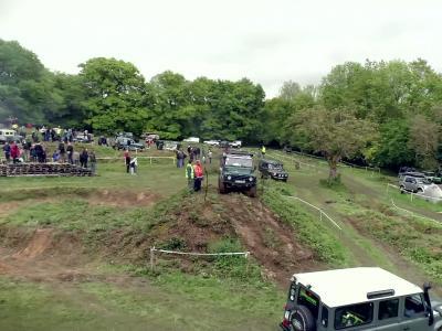 Jubilé Land Rover: du franchissement pur et dur