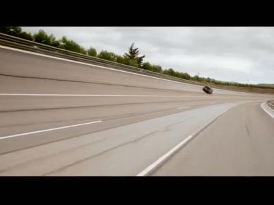 Un Bentley Bentayga atteint 301 km/h
