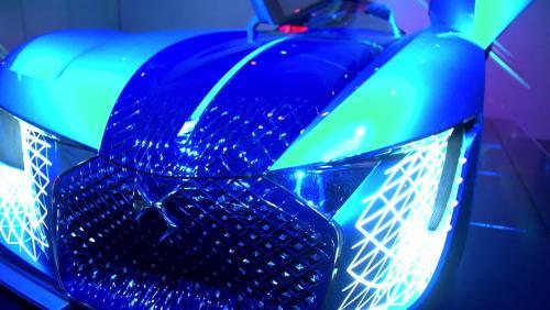 Mondial de l'Auto 2018 : la DS X E-Tense en vidéo