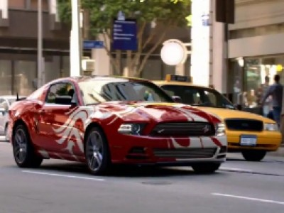 Une Ford Mustang caméléon