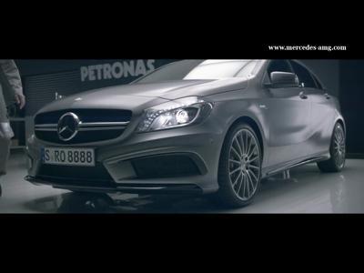 Mercedes AMG contre les extraterrestres