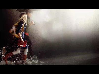 Burberry protège de tout, même de la pluie