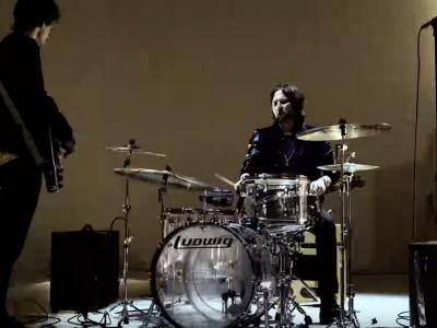 The Raconteurs - Sunday Driver