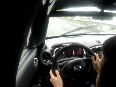 A 240 km/h sur ovale et en Nissan Juke R!