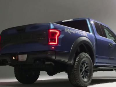 Detroit 2015: le nouveau Ford F-150 Raptor montre les crocs