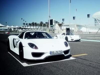Deux Porsche 918 Spyder en visite aux Emirats