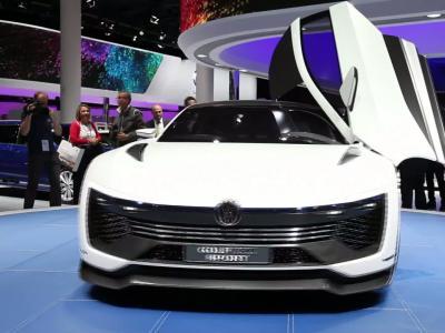 Francfort 2015 : Volkswagen Golf GTE Sport