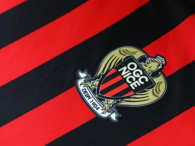 OGC Nice : le maillot domicile sous tous les angles