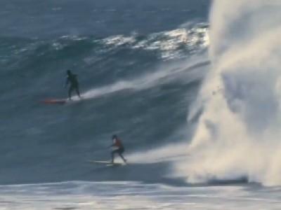 Surf extrême en mémoire d'Eddie Aikau