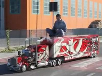 Un gros camion pour les Grands enfants