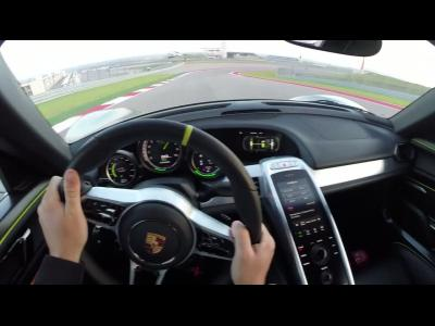 Un tour à Austin en Porsche 918 Spyder, vu du casque du pilote