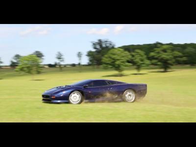 Petite virée en Jaguar XJ220