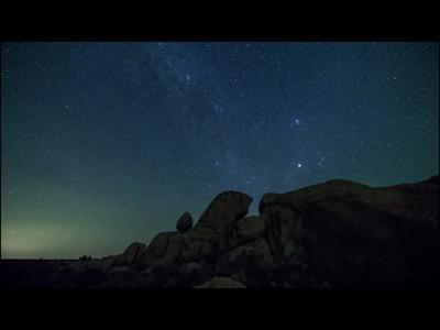 Une pluie de météores en time lapse