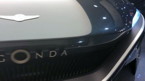 Salon de Genève 2019 : le concept Aston Martin Lagonda All-Terrain en vidéo