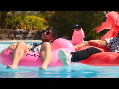 BEACH SCVM - Pool friends