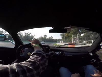 Il drift en LaFerrari dans la courbe la plus rapide de Monza