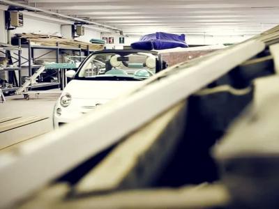 Une Abarth 500 transformée en bateau