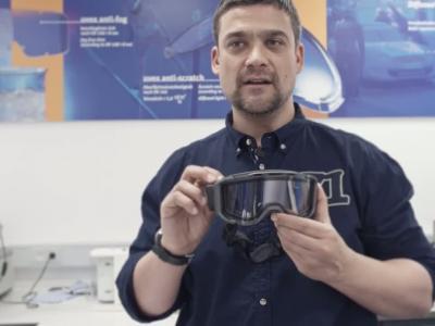 Vidéos : Uvex Snowstrike VT : un écran LCD dans le nouveau masque de Ski Uvex