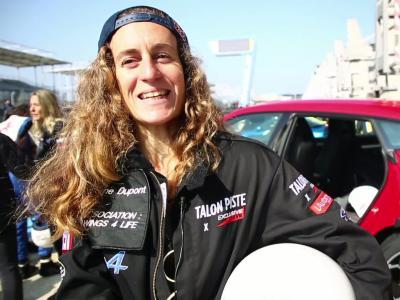 On a parlé bagnoles avec la surfeuse Justine Dupont