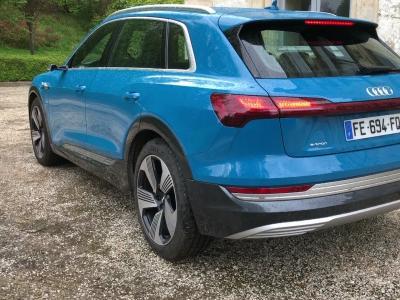 Audi e-tron 55 Quattro : présentation du SUV électrique en vidéo