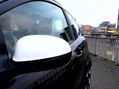 Ford Fiesta et Ka Black & White: Smoking de rigueur