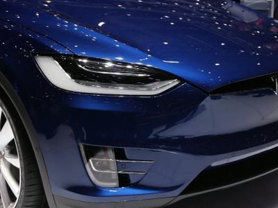 Genève 2016 : Tesla Model X