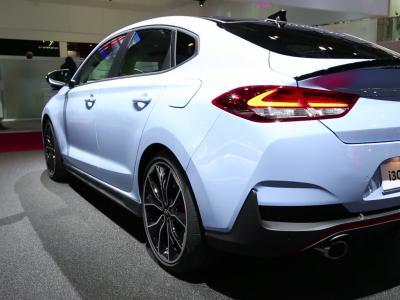 Mondial de l'Auto 2018 : la Hyundai i30 Fastback en vidéo