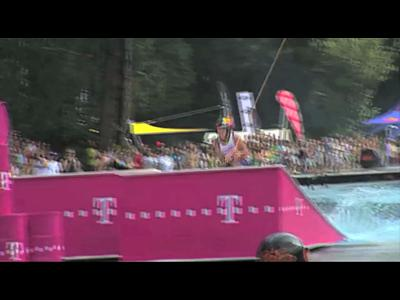 Le freestyle Wakeboard Crone à Cologne