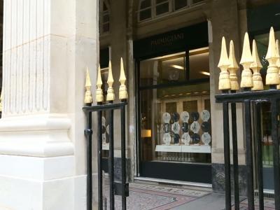 Vidéos : Le Studio Parmigiani Fleurier ouvre ses portes au Palais Royal