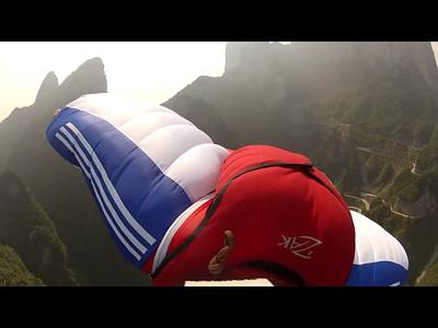 Base Jumping en Chine avec Ramón Rojas