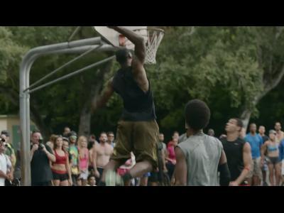 LeBron James s'entraîne pour Nike