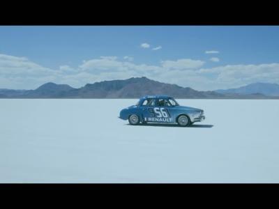 Les Prost, père et fils, rendent hommage à la Renault Dauphine