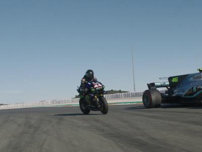 Lewis Hamilton - Valentino Rossi : la rencontre sur piste