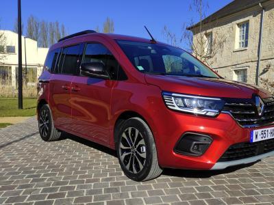 Nouveau Renault Kangoo (2021) : le ludospace en vidéo