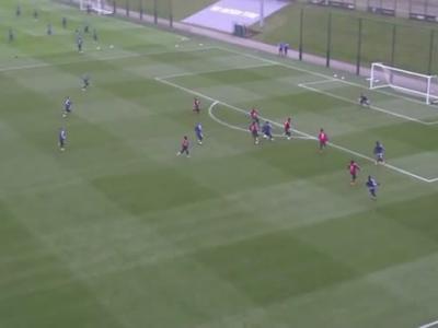 Le but incroyable de Messi à l'entraînement !