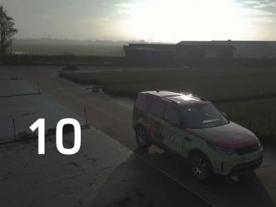 Le coffre du nouveau Land Rover Discovery utilitaire peut enfourner 300 sapins !