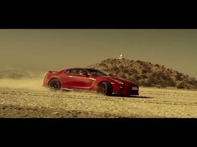 La Nissan GT-R dessine l'Inde pour la fête nationale du pays