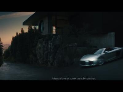 Audi R8 : la pub qui tacle la voiture autonome
