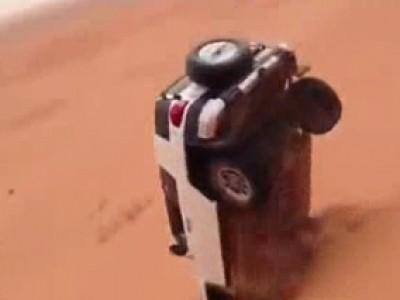 Comment rater un saut de dune en Toyota FJ Cruiser?
