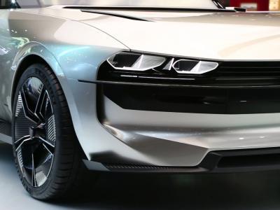 Mondial de l'Auto 2018 : la Peugeot e-Legend en vidéo
